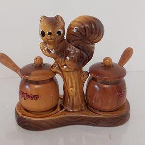 Vintage Salt & Pepper shakers **WOOD & CERAMIC**